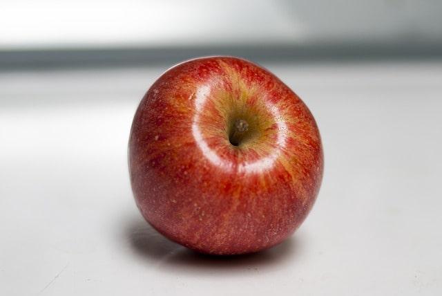 Äppelsorten Royal Gala som lämpar sig väl för äppelkakor.